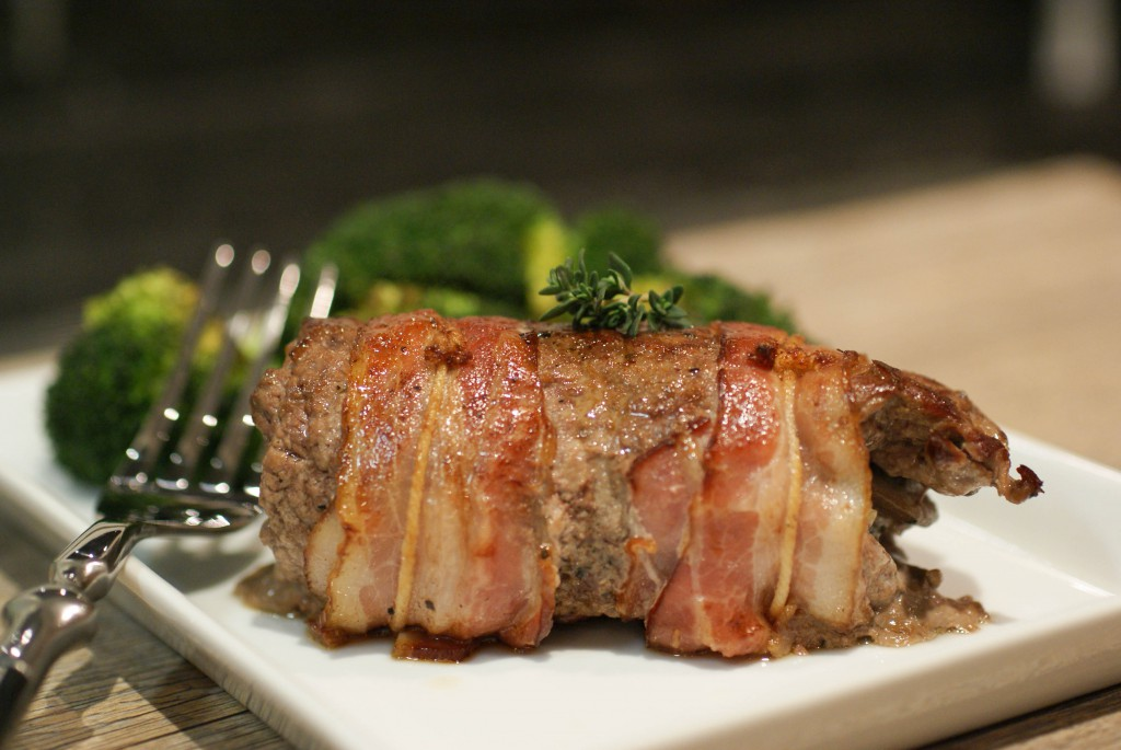 how to make bacon wrapped steak