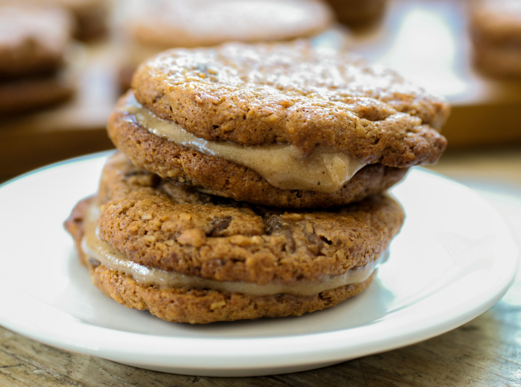 "Cinnamon Maple Cream Filled ""Oatmeal"" Raisin Sandwich Cookies ..."